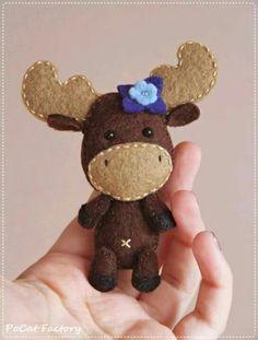 Little Moose Feltie - no instructions, but so cute!!!