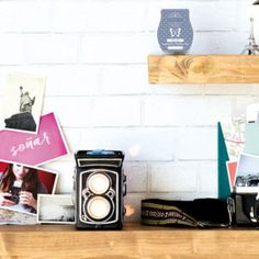 Scentsy Camera Warmer: Still Frame August Warmer of the Month Modeled after a vintage twin-lens reflex camera, Still Frame will delight anyone who loves photography, travel or recapturing the beauty of a bygone era.