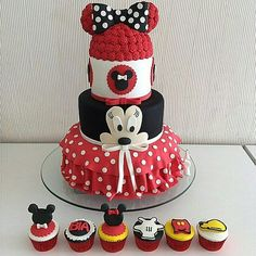 Happy Birthday Disney, Minnie Mouse Cake, Girl Cakes, Best Part Of Me, Cake Decorating, Frozen, Cartoon, Disney Characters, Instagram Posts