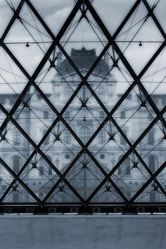 Here's lookin' at you, Louvre. #photography #architecture #pattern #glazing #structure