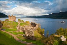 Discover the fantastic range of things to see and do in Scotland, from castles and standing stones to national parks, museums and distilleries.
