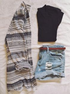 Patterned Sweater Cropped Black T shirt, Distressed High Waisted Denim Short