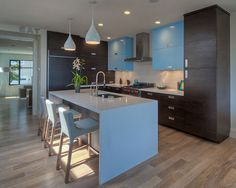 Light up your kitchen with pendants or halogens, plus over-bench lights for brighter work spaces.
