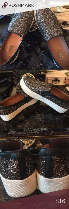 Pre Loved Mossimo Sparkling shoes Very Cute sparkling pair of shoes by Mossimo; worn once; too big ...  They are true 7.5.  The only sign of wear is the outer side of the sole Mossimo Shoes