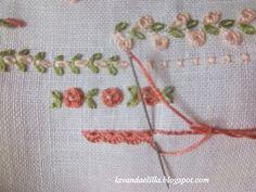 Lavanda e Lillà: archetti a punto smerlo Not much instruction but pretty use of the flowers.