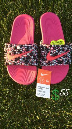 Nike Flip Flops, Bling Flip Flops, Cute Slides, Nike Slippers, Nike Converse, Cute Sneakers, Crystal Shoes, Melissa Shoes, Cute Sandals