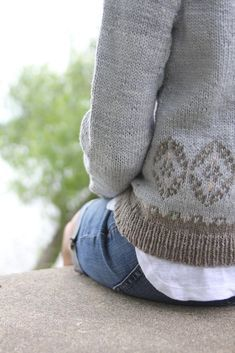 These soft, gorgeous hues are beautifully sophisticated and were inspired by shades of mesas and plateaus in the Southwest. Between color & fiberthe yarn was just perfect for a soft pullover with a delicate, feminine vibe to wear with a tank or tee underneath when there's a little chill in the air. Find this pattern and more inspiration at LoveKnitting.