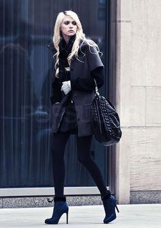 Taylor Momsen rocks sophisticate layers with a rebellious edge. Gothic Fashion, Love Fashion, Taylor Momsem, Street Chic, Street Style, Jenny Humphrey, Western Girl, Goth Beauty, Alternative Fashion