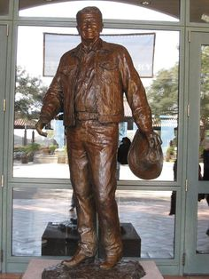 See the top ten attractions at the Ronald Reagan Presidential Library and Museum