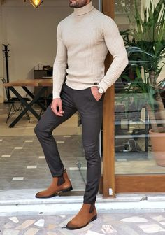 Stylish Mens Outfits, Mens Smart Casual Fashion, Smart Casual Man, Men's Casual Outfits, Mens Office Fashion, Turtleneck Outfit, Mens Turtleneck, Men Sweater, Men's Work Fashion