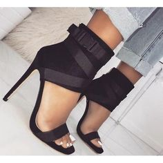 Your high heels questions answered. What is the difference between stilettos and high heels. Why are high heels called pumps. Does wearing high heels tone your legs. Can wearing heels cause hip pain Sexy Heels, Pumps Heels, Stiletto Heels, Stilettos, Shoes Sandals, Ankle Shoes, Sandals Outfit, Black Sandals, Trendy Sandals
