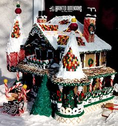 Fantastic Gingerbread House! Created by haunteddimensions...  More great photos there along with step by step instructions. Excellent tutorial!