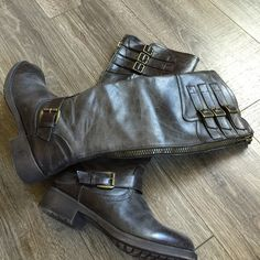 """Steve Madden Girl G-Lolly Zipper Riding Boots Madden Girl G-Lolly Zipper Riding Boots size 7.5 Rustic Brown color. 16.6"""" tall. 1.25"""" Heel. Full zipper up the back. Great condition. Madden Girl Shoes Heeled Boots"""