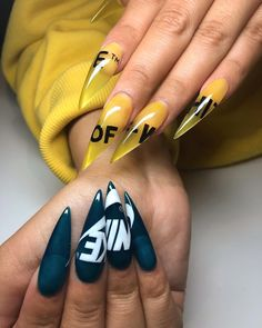 If you're looking for a bold look, stiletto nails are your best choice. The trend of stiletto nails is hard to ignore. Whether you like it or not, stiletto nails will stay. Stiletto nails are cool and sexy, but not everyone likes them. Stiletto Nail Art, Cute Acrylic Nails, Fun Nails, Coffin Nails, Stiletto Nail Designs, Acrylic Art, Nails Design, Clear Acrylic, Nike Nails