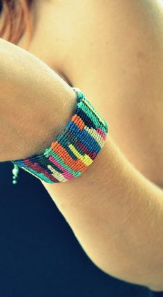 Macrame patchwork bracelet adjustable in multiple by Bohochoco