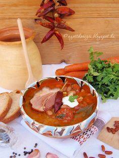 Az otthon ízei: Jókai bableves Hungarian Cuisine, Hungarian Recipes, Hungarian Food, My Favorite Food, Favorite Recipes, Raw Vegan, Chowder, My Recipes, Pesto
