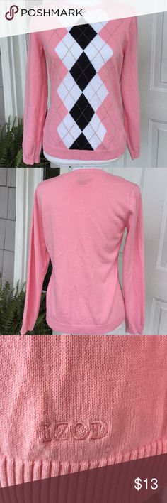 "Izod Sweater Pretty and preppy! Classic Izod sweater with argyle front. Measures 17"" underarm to underarm and 23"" long. Like new. Size M Izod Sweaters Crew & Scoop Necks"
