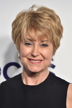 17th May, 2017. Jane Pauley at arrivals | hairstyles in
