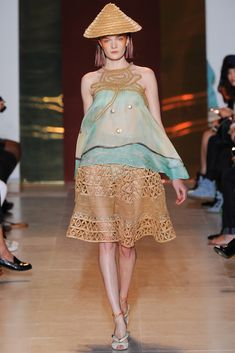 Tsumori Chisato Spring 2014 Ready-to-Wear Fashion Show