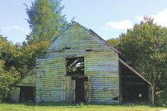 Old barn on Ritchie Rd, Scaly Mountain, NC (Sep 2017).