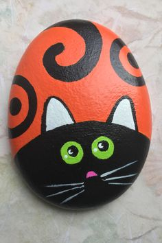 Rock Painting Patterns, Rock Painting Designs, Stone Painting, Painting & Drawing, Ladybug Garden, Kindness Projects, Painted Rock Animals, Mandala Painted Rocks, Autumn Painting