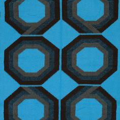 Een verademing tussen al het bruin en oranje, deken, vintage, 1970s