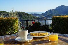 Auf Mallorca im Tal von Soller liegt das Finca Hotel Cas Xorc. Ein magischer Ort mit traumhaften Ausblick ins Tramuntana Gebirge.