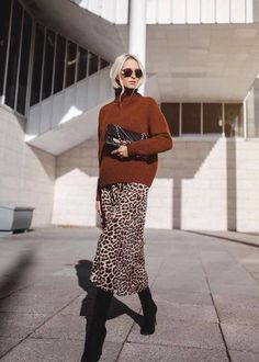 Leopard Skirt Outfit, Maxi Skirt Outfits, Winter Skirt Outfit, Leopard Print Skirt, Maxi Dresses, Fall Fashion Outfits, Look Fashion, Trendy Outfits, Womens Fashion