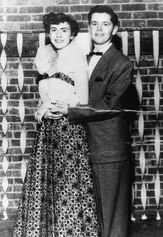 Jack Nicholson accompanied Nancy Smith to her senior prom in 1953 after her date dumped her just before the big event http://t.co/v0qWRuWyDkvia The stars are ageless, aren't they?