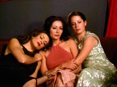 piper halliwell hair season two - Yahoo Search Results Yahoo Image Search Results Serie Charmed, Charmed Tv Show, Beautiful Witch, Beautiful Young Lady, Old School Movies, Charmed Sisters, Shannen Doherty, Black Magic Woman, Alyssa Milano
