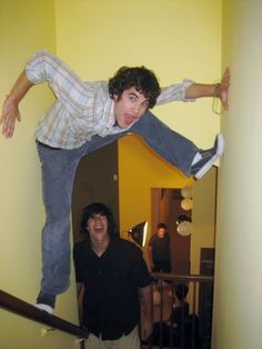 Day 6 of 30 Day Sk chal- Fave Photo of Darren: Spider-Darren Darren Criss Glee, Very Potter Musical, Avpm, Team Starkid, Harry Potter, Glee Cast, Chris Colfer, Really Funny, My Love