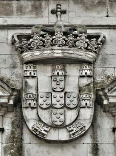 Portuguese Coat of Arms Portuguese Tattoo, History Of Portugal, Portugal Flag, Portuguese Culture, Iberian Peninsula, Cultural Architecture, Azores, Algarve, Coat Of Arms