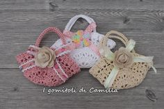See related links to what you are looking for. Crochet Flower Patterns, Crochet Doll Pattern, Crochet Stitches Patterns, Crochet Dolls, Crochet Sachet, Crochet Baby, Wedding Cake Bags, Diy Christmas Gifts For Friends, Burlap Bags