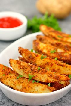 Baked Garlic Parmesan Potato Wedges   FaveSouthernRecipes.com