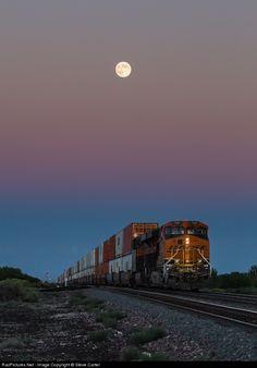 RailPictures.Net Photo: BNSF 7137 Burlington Northern Santa Fe GE ES44C4 at Winona, Arizona by Steve Carter
