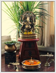 the east coast desi: Just in time for some Ganesha Chaturthi Inspiration ! the east coast desi: Just in time for some Ganesha Chaturthi Inspiration ! Indian Inspired Decor, Indian Home Decor, Indian Decoration, Indian Living Rooms, My Living Room, Living Spaces, Diwali Decorations At Home, Indian Interior Design, Ganapati Decoration