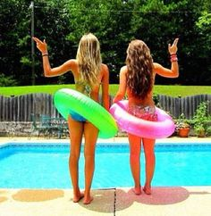 Summertime  cute pic!  (maggie and bri, we need a picture like this by the pool this summer!  :)