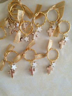 20 pcs Martyrika-Key Chain-Baptism Favors-Bridal Favors-Baby Shower Favors-First Communion Favors. Baptism Party Favors, First Communion Favors, Première Communion, First Holy Communion, Birthday Favors, Baby Shower Favors, Wedding Favors, Baby Girl Baptism, Baby Christening
