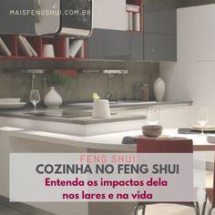 A cozinha não deve ser pequena demais ou terá a sensação de dinheiro restrito e limitado. Se você tem uma cozinha apertadinha invista em espelhos! Eles poderão ajudar a abrir e expandir esses espaços mais confinados. . 🚩 Os espelhos são expansores de espaço e atraem iluminação e boa energia. Eles, justamente pelo poder de aumentar o ambiente, são considerados itens essenciais principalmente em ambientes pequenos. . Feng Shui Dicas, Preppy Essentials, Mirrors, Money, Environment, Kitchen, Gauges