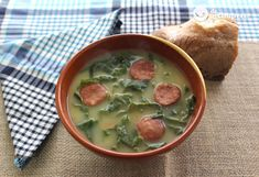 Green Soup, Yesterday And Today, Palak Paneer, Cheeseburger Chowder, Soup Recipes, Yummy Food, Dinner, Eat, Ethnic Recipes