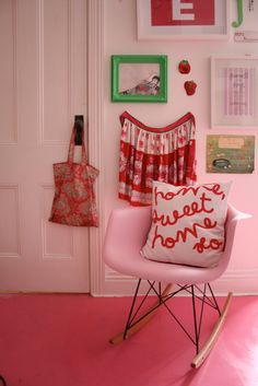 pink eames rocker <3 and a pink floor!
