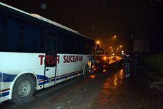 Un autoturism a fost acroșat de un autocar azi-noapte, în zona centrală a municipiului Bacău. Deși mașina s-a răsturnat, nici unul din pasageri nu a fost rănit.