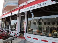 Go to Lovin' Oven in Libertyville, IL 60048.. They have the cutest treats which taste like heaven<3