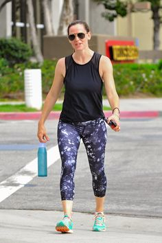 Pin for Later: Jennifer Garner Can't Stop Flashing Her Famous Grin, Even While Leaving the Gym
