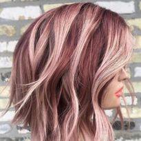 Gold Hair Colors, Brown Hair Colors, Hair Colour, Hair Color Balayage, Ombre Hair, Pink Hair Highlights, Burgundy Hair Blonde Highlights, Light Burgundy Hair, Peekaboo Highlights