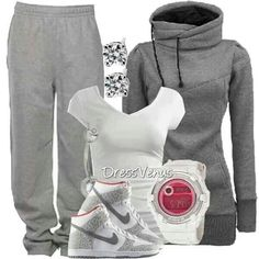 I really want an outfit like this but instead of sweatpants, jeans.