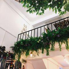 Cofee Shop, Wreaths, Home Decor, Decoration Home, Door Wreaths, Room Decor, Deco Mesh Wreaths, Home Interior Design, Floral Arrangements