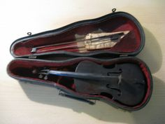 Beautiful antique pansy: Exam piece by Martin Cullier, student of the workshop. Violin Case, Piece Of Music, Pansies, Workshop, Antiques, Etsy, Om, Student, Beautiful