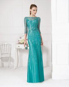 Vestido+y+funda+de+pedreria+con+chal.+Color+beige,+verde+y+marino.