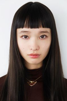 Japanese model Yuka Mannami, known for her long, waist-length hair and cute face Hairstyles With Bangs, Trendy Hairstyles, Straight Hairstyles, Fashion Hairstyles, Short Bangs, Blunt Bangs, Woman Face, Pretty Face, Pretty People